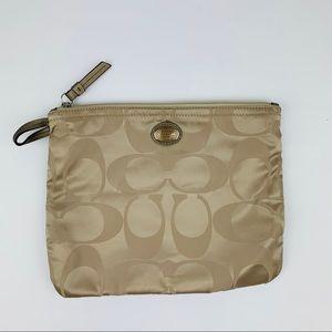 Coach travel snap logo pouch light khaki